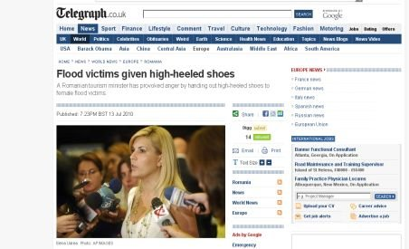 The Telegraph taxează gestul Elenei Udrea de a oferi pantofi cu toc sinistraţilor
