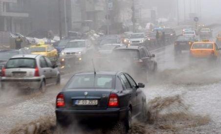 Avertizare de furtuni imediate pentru Bucureşti şi Ilfov