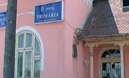 Primarul comunei Mărăcineni, reţinut pentru fapte de corupţie