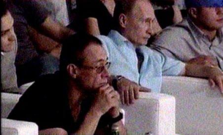 Vladimir Putin şi Jean Claude Van Damme au văzut împreună un meci de Ultimate Fighting (VIDEO)