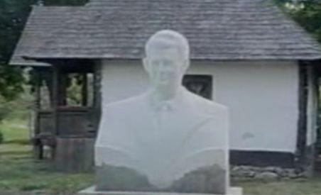 Locuitorii din Scorniceşti sunt convinşi că trupurile deshumate sunt ale soţilor Ceauşescu (VIDEO)