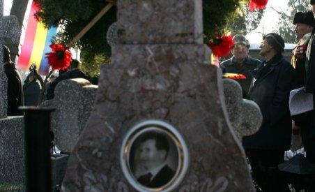 Deshumarea soţilor Ceauşescu: Probele-martor, prelevate de la fiul şi fratele dictatorului