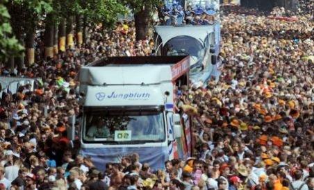 Cel puţin 15 morţi, într-o busculadă la Love Parade, din Duisburg