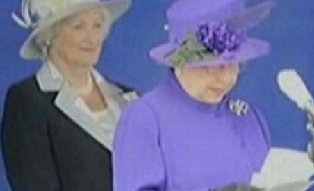 Fotografii inedite cu familia regală britanică, postate pe un site specializat (VIDEO)