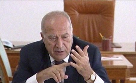 Dan Voiculescu i-a solicitat lui Traian Băsescu să reformuleze cererea de convocare a Parlamentului în sesiune extraordinară