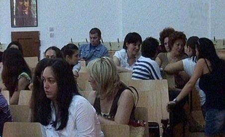Salariile profesorilor din Republica Moldova, mărite cu 12,5 %. Cadrele didactice vor primi şi sporuri salariale