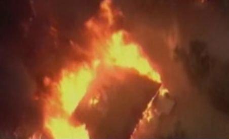 Incendiile de vegetaţie au distrus sute de case în SUA (VIDEO)
