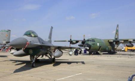 Achiziţia avioanelor F16, sub semnul întrebării, în ultima zi de efectuare a plăţii