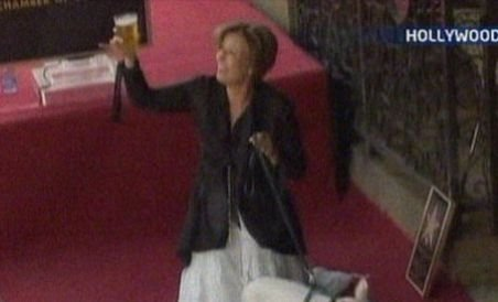Emma Thompson a primit o stea pe Hollywood Walk of Fame (VIDEO)
