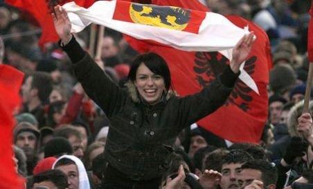 Zeci de state, inclusiv membre UE, se pregătesc să recunoască independenţa Kosovo