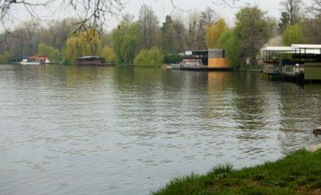 Cadavrul unei femei, descoperit în lacul Herăstrău din Capitală