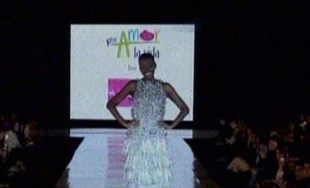 Columbia: Paradă de modă cu prezervative, pentru a atrage atenţia asupra virusului HIV