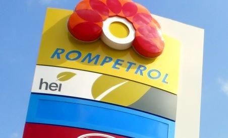 Rompetrol a ieftinit benzinele cu şase bani pe litru