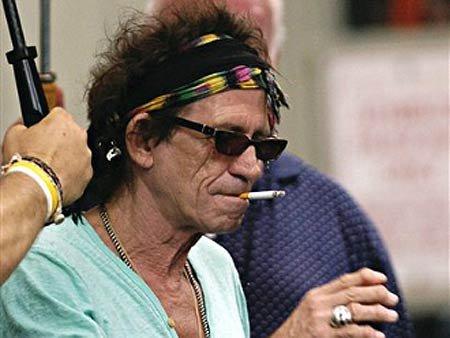 Chitaristul formaţiei Rolling Stones e dispus să testeze orice drog nou