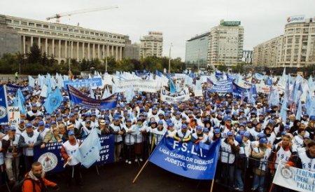 Miting de amploare în ziua moţiunii: Peste 80.000 de oameni, aşteptaţi să participe