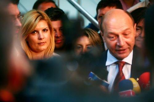 Udrea, decepţionată de Băsescu: M-a surprins că nu a dat şanse femeilor la cele mai înalte funcţii