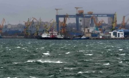 Marea Neagră, invadată de o masă uriaşă de hidrogen sulfurat