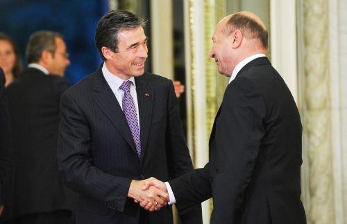 """Dialog Băsescu-Rasmussen, despre mitingul din Capitală: """"Nu înseamnă că alţi 10 milioane sunt fericiţi"""""""