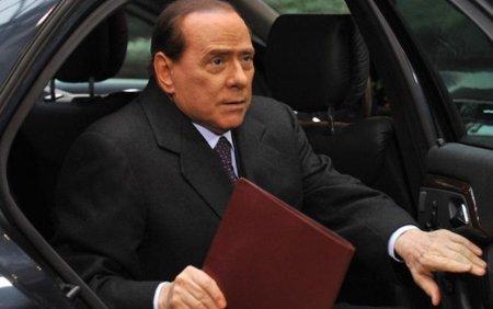 Un pachet suspect adresat lui Berlusconi a explodat pe aeroportul din Bologna