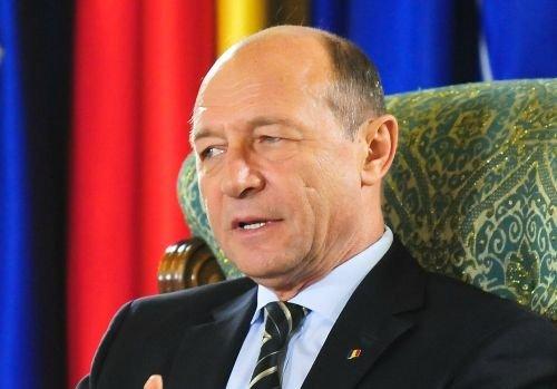 Băsescu, despre CCR: O instituţie penibilă. Şi acum regret creşterea TVA
