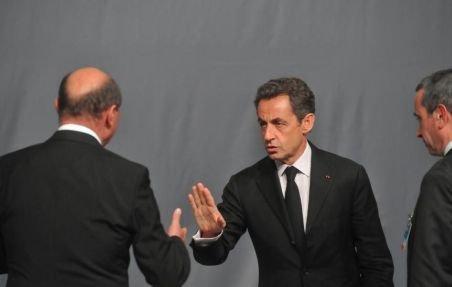 Moment penibil la summit-ul NATO: Sarkozy refuză dialogul privat cu Băsescu