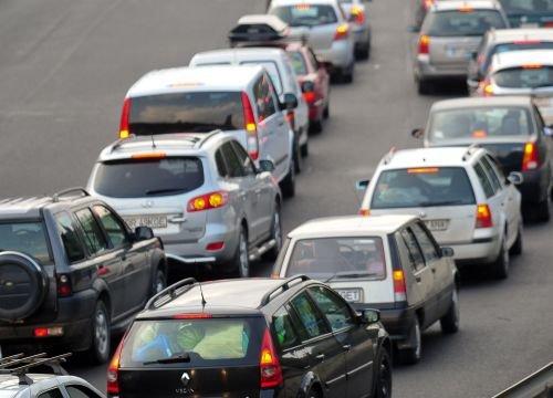 Borbely: Taxa auto se va majora cu până la 50% din 2011. Vezi noile valori propuse