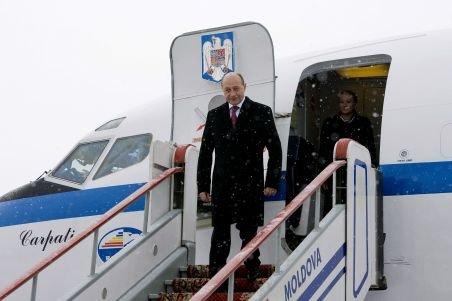 Băsescu apelează la Tarom pentru zborurile oficiale. Romavia, într-o situaţie financiară dificilă