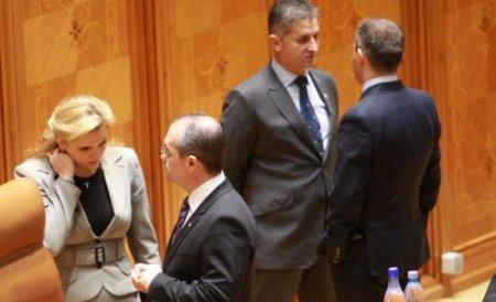 Angajarea răspunderii pe Legea Salarizării, discutată de coaliţie. PSD ar putea depune o nouă moţiune de cenzură