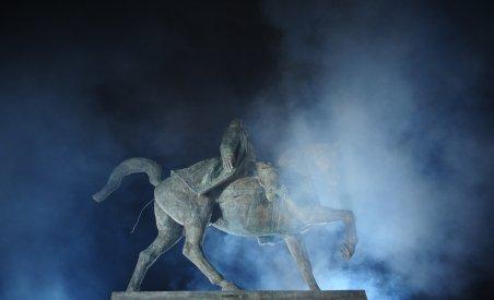 Statuia lui Carol I, inaugurată în Piaţa Palatului Regal în prezenţa familiei regale