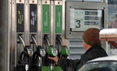 Petrom scumpeşte din nou benzina şi motorina