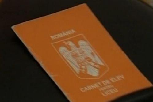 Carnete de note portocalii, motiv de ceartă între membrii Comisiilor de Educaţie