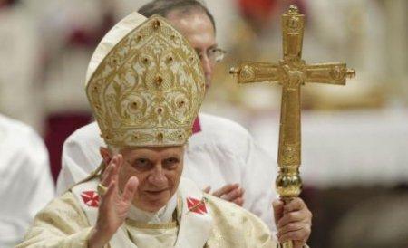Papa Benedict al XVI-lea a luat masa alături de o româncă