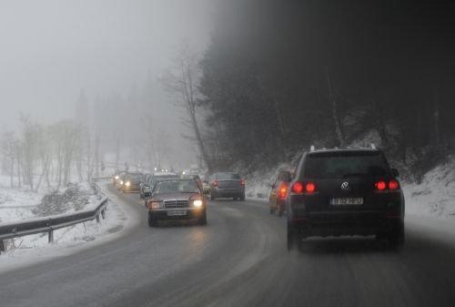 Aglomeraţie spre Valea Prahovei: Coada de maşini ajunge la 10 kilometri