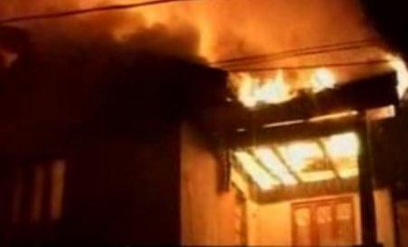 Două incendii în 24 de ore la casa memorială Vasile Alecsandri, din cauza oamenilor străzii