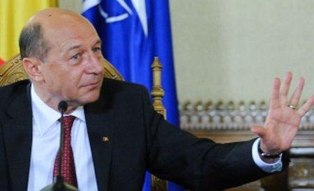 Băsescu: Universităţile de stat au fost transformate în fabrici de diplome