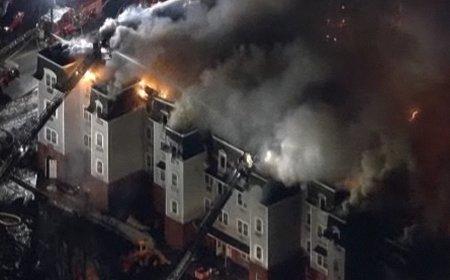 Un incendiu de proporţii a cuprins mai multe clădiri din New Jersey