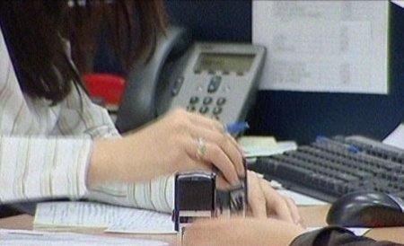 Românii au restanţe la bănci de peste 16 miliarde lei