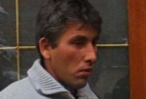 Poliţiştii din Argeş au oprit cu focuri de armă un autobuz furat de un recidivist