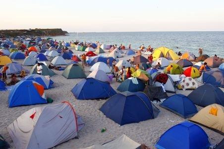 Adio, cort pe malul mării! Un proiect de lege ar putea interzice camparea pe plajele din România