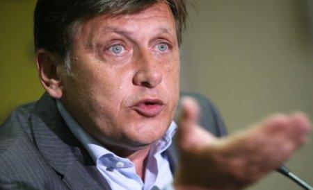 Antonescu: Dacă Băsescu are probe despre colaborarea mea cu Securitatea, să le producă în 48 de ore