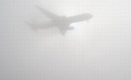 Tarom anulează nouă zboruri, iar 11 curse au întârzieri din cauza ceţii