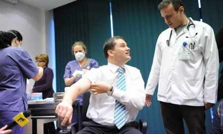 Numărul concediilor medicale din 2010 a scăzut cu aproape 50% faţă de cel din 2009