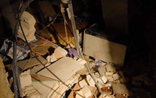 O locuinţă din Braşov a sărit în aer din cauza unei acumulări de gaze: O femeie a fost rănită