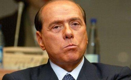 Presa italiană: Silvio Berlusconi a întreţinut un harem de cel puţin 14 tinere