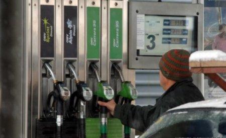 Şoferii continuă protestele: Nu vor să mai alimenteze maşinile cu benzină timp de trei zile