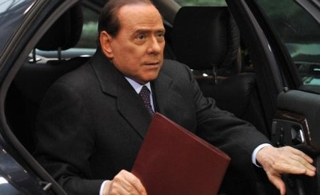 Silvio Berlusconi regretă că nu trăieşte în ţările musulmane, în care un harem este legal