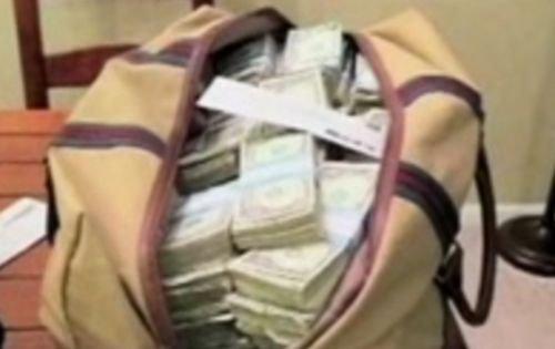 Un student american şi-a plătit taxa la facultate cu bancnote de un dolar