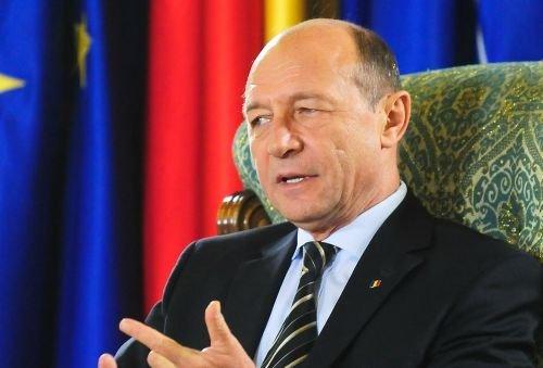 Băsescu: Am primit zeci de mailuri de la ofiţeri în rezervă, chestiuni sensibile care m-au marcat