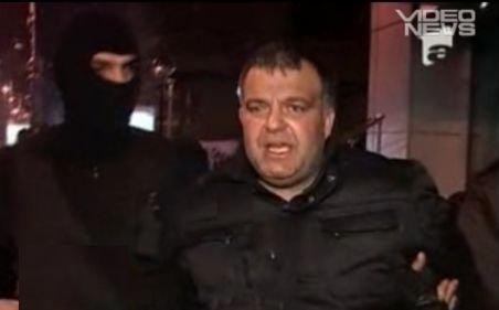 Focuri de armă în Bucureşti: Bandă de tâlhari, care jefuia femei, prinsă de poliţişti
