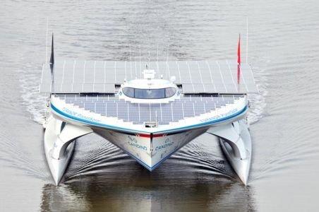 Cea mai mare navă cu propulsie solară din lume face înconjurul lumii